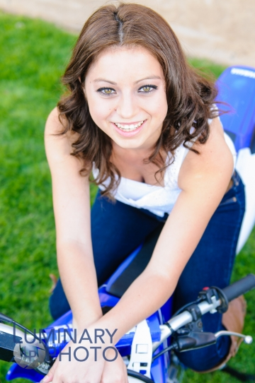 Senior_Portrait_Luminary_Photo_1323